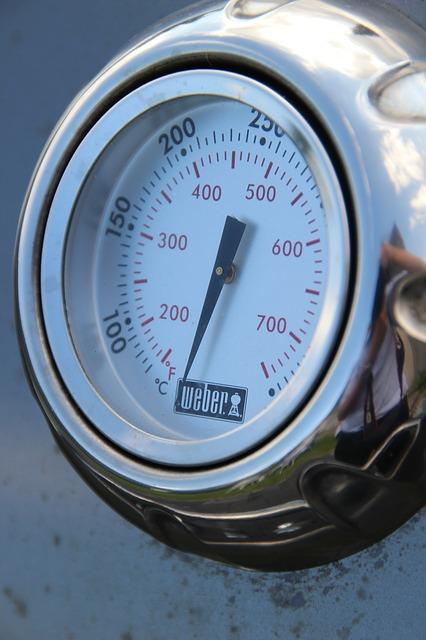 Ein Lavasteingrill benötigt Gas zum erhitzen